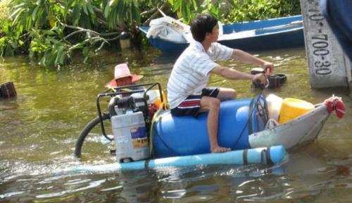 236789_kendaraan-unik-anti-banjir_663_382